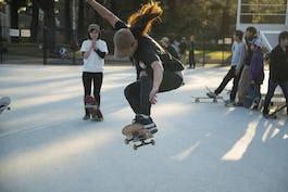スケートボード(スケボー) ストリートスタイルとは?その特徴とフリースタイルとの違いを解説!
