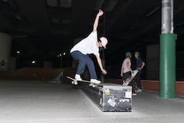 スケートボード レール・カーブとは?その特徴とトリックのポイントをご紹介!