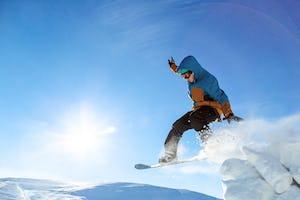 スノーボード ウェアおすすめは?選び方とメンズ・レディース人気ブランドをご紹介!