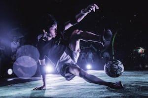 フリースタイルフットボール 基本の技と練習法を解説