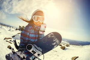 スノーボード インナーは何が良い?おすすめのアイテムをご紹介!