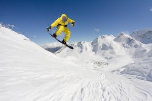 スノーボード キッカーとは?名称やコツなど、おすすめの板もご紹介!