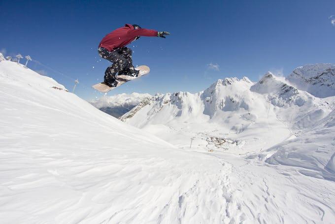 スノーボード フリーランとは?上達のコツやおすすめの板をご紹介!