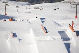 スノーボード パークとは?アイテムの種類やおすすめのパーク・板などご紹介!