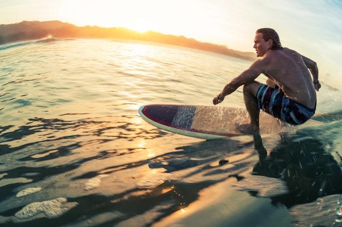 サーフィン パンツとは?選び方やメンズ・レディースのおすすめサーフパンツをご紹介!