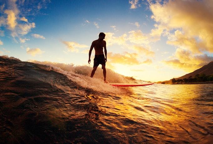サーフィン 小波の乗り方とは?テイクオフのコツなどを解説!