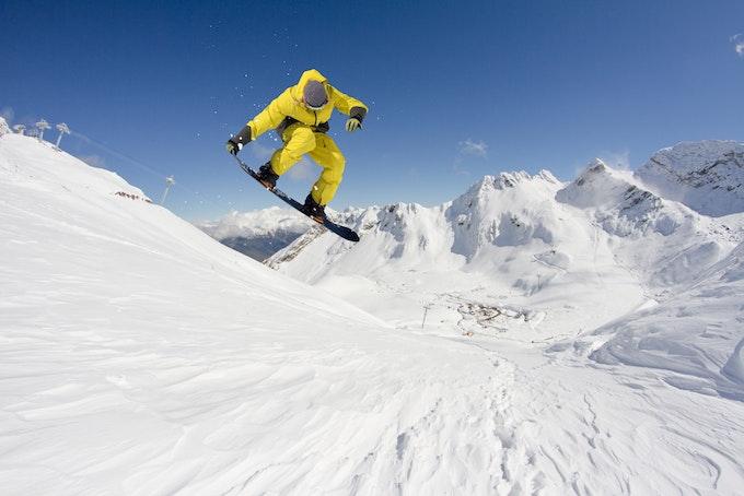 スノーボード グラブとは?種類やスタイルなどを徹底解説!
