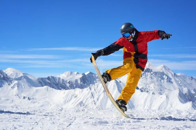 スノーボード 板の硬さってなに?硬さによる違いや確認方法などを解説します!