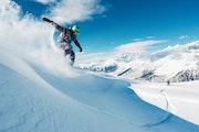 なんでスノーボードは滑るのか?滑る理屈とワックスの関係性を解説します!