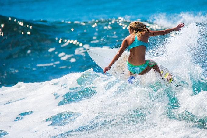 サーフィン ショートボードとは?ボードの特徴とメリット・デメリットをご紹介