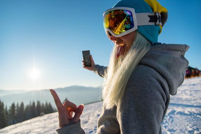 車でスキー場に行くときの注意点と用意しておきたいグッズ