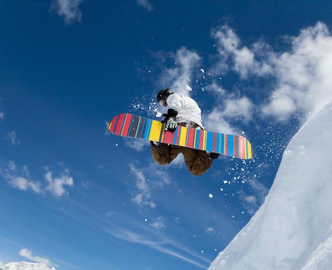 スノーボード今季おすすめのレディース板人気の15ブランドを厳選!