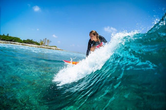 サーフィン テイクオフのコツは?目線やタイミング、姿勢など解説!