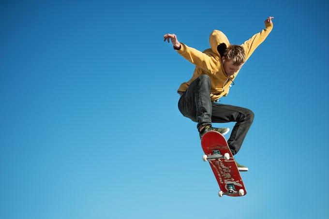 スケートボードデッキとは?種類やサイズ、おすすめのデッキブランドをご紹介!