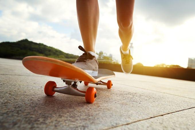 スケートボード トラックとは?種類や選び方など、人気のトラックブランドもご紹介!