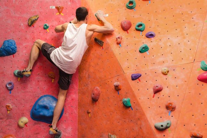 ボルダリングをやる前の効果的な準備運動の仕方とエクササイズをご紹介