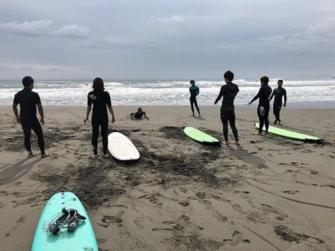 世界有数のサーフポイント、一宮町でJAF千葉支部が初心者向けサーフィン教室を開催!