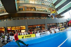 二子玉川ライズで『第10回ギボン日本オープンスラックライン選手権大会』 開催! 9月28日・29日