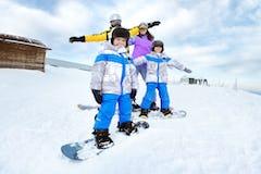 初めてのファミリースノーボード、子どものためのギア選び