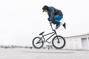 BMXのハンドルバーの選び方とは?その特徴を解説!