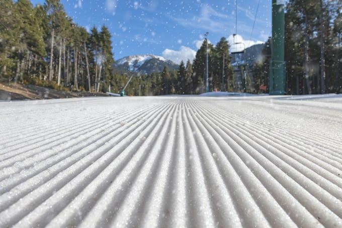 これからがおもしろい! 春スノーボーディングの魅力