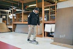 スケートボードHOW TO初心者編 「乗り方と降り方を覚えよう」