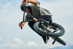 BMXのグリップを変えるだけで乗り味が変わる!? 種類とおすすめを紹介!