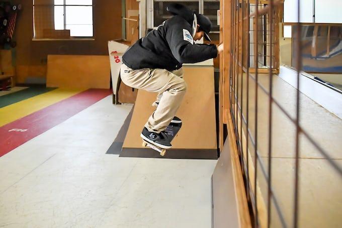 スケートボードHOW TOフラット編 「オーリーの練習方法」